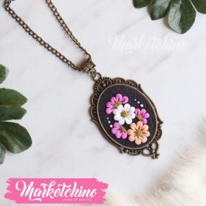 Necklace-Flowers-Fuchsia