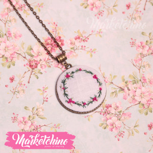 Embroidered Necklace-Flowers-Circle